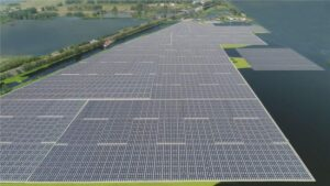 full-time-water-mounted-solar-power-system-custom-project-design-on-water.jpg